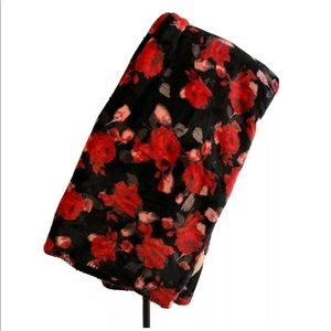 Victoria's Secret Sherpa Throw Blanket Red Roses